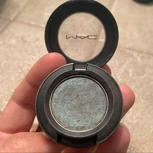 MAC Eyeshadow - Club Satin